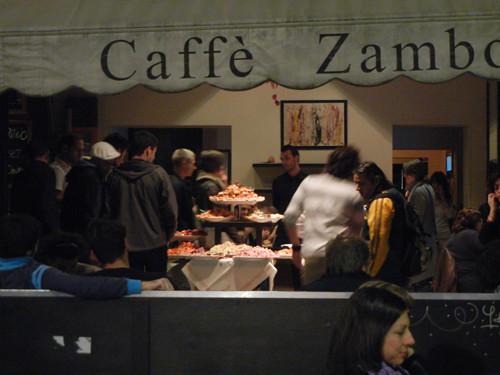 DSCN5064 _ Caffè Zamboni, between Torre degli Asinelli and Basilica Giacomo Maggiore, near Università, Bologna, 18 October