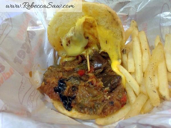 Burger Junkyard 2-005