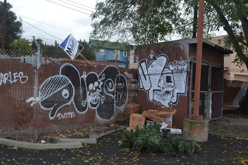 DVOTE, UTER, Graffiti, Oakland, Charles