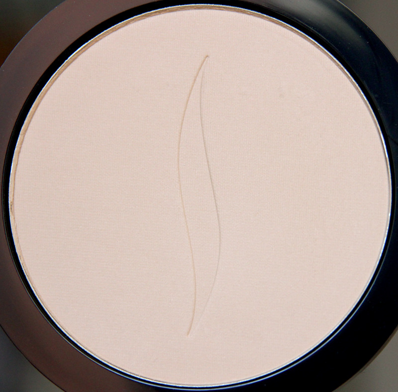 Sephora 8HR matifying pressed powder1
