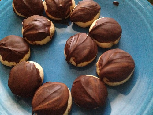 Gingerbread puffs