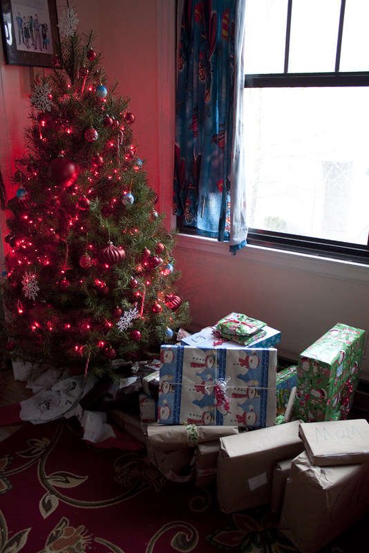 Christmas tree and the presents