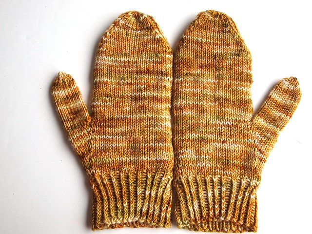 Fallow mittens made with FCK sport wheight sw merino Amarillo