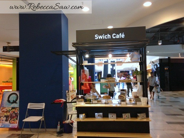 Swich Cafe - Publika - banana cake, apple cake and avocado cake