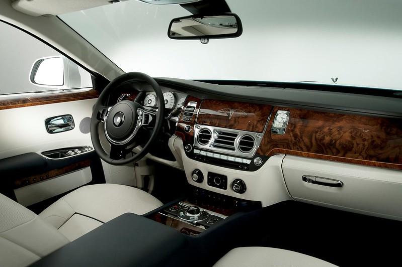 Rolls-Royce-Firnas-Motif (2)