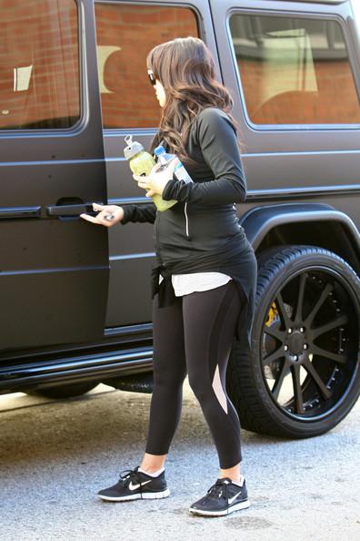 Kim+Kardashian+Kim+Kardashian+Leaves+Gym+JXAxYFfQU  3pl
