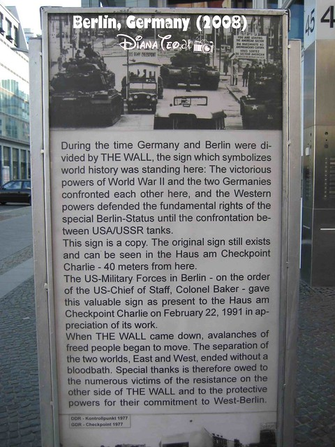 Berlin Checkpoint Charlie 02