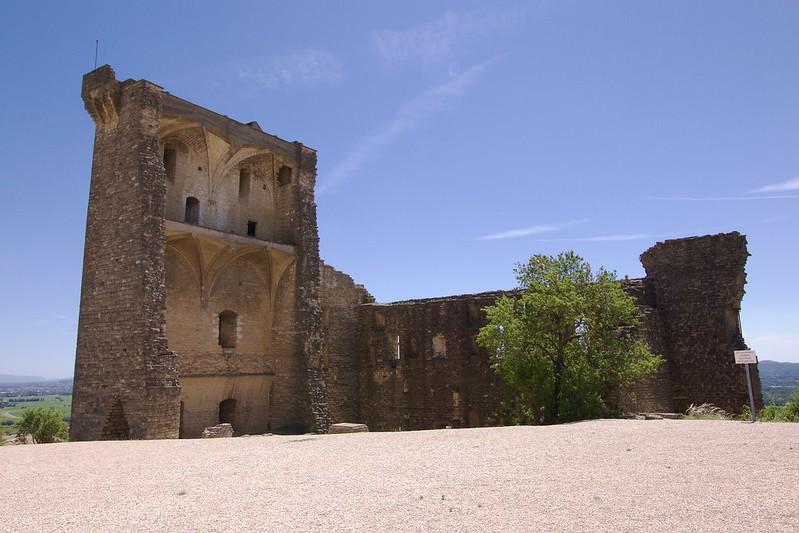 provence village chateauneuf du pape castle ruins 2