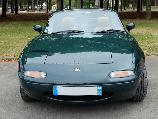 MAZDA Miata MX-5 (RHD) verte (face)