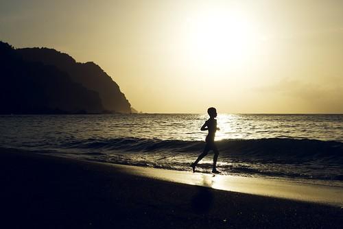 sunset sea beach silhouette trinidad caribbean backlit tobago westindies castara afszoomnikkor2470mmf28ged uncommoncaribbean