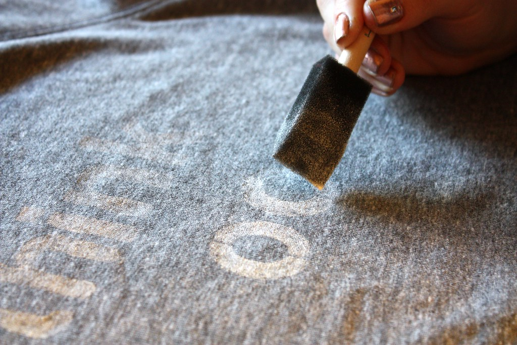 DIY Graphic Print Phrase Sweatshirt