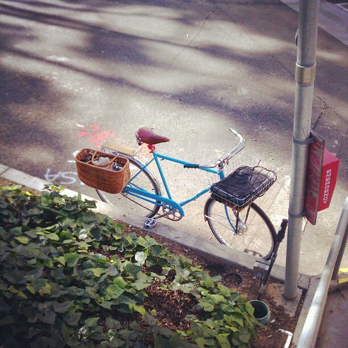 In case of emergency, break hearts. #bikela #schwinn