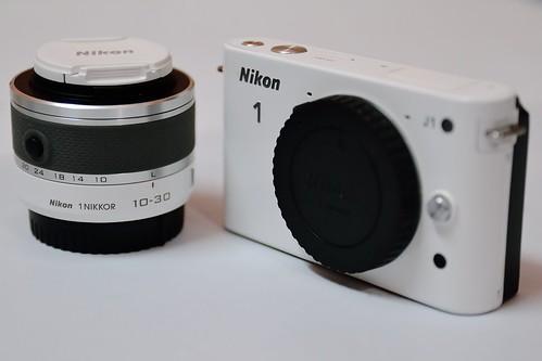 Nikon 1 J1 + 1 Nikkor VR 10-30mm F/3.5-5.6