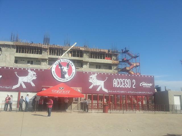 construccion estadio caliente febrero 2013