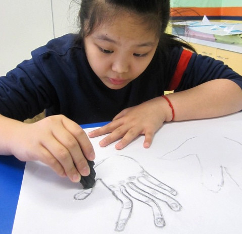 Drawing with wood charcoal, Yew Chung International School of Beijing 7