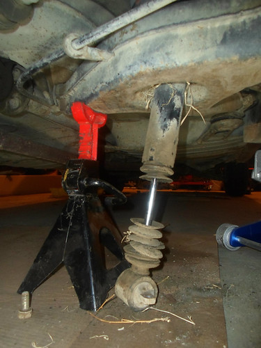 Rear Shock Replacement On A Mercedes Benz W115 W114 8 Old Car Junkie