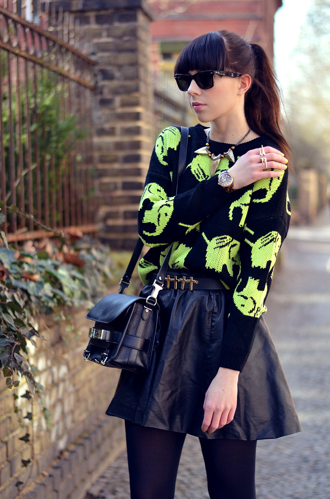 Elephant Neon Jumper Black Yellow Outfit CATS & DOGS 7