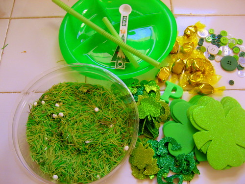 St. Patrick's Day Sensory Surprise (Photo from The Good Long Road)
