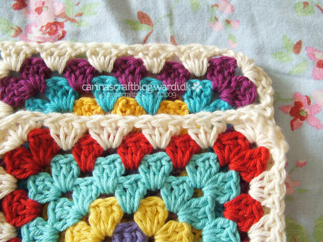 Crochet tutorial: joining granny squares 14