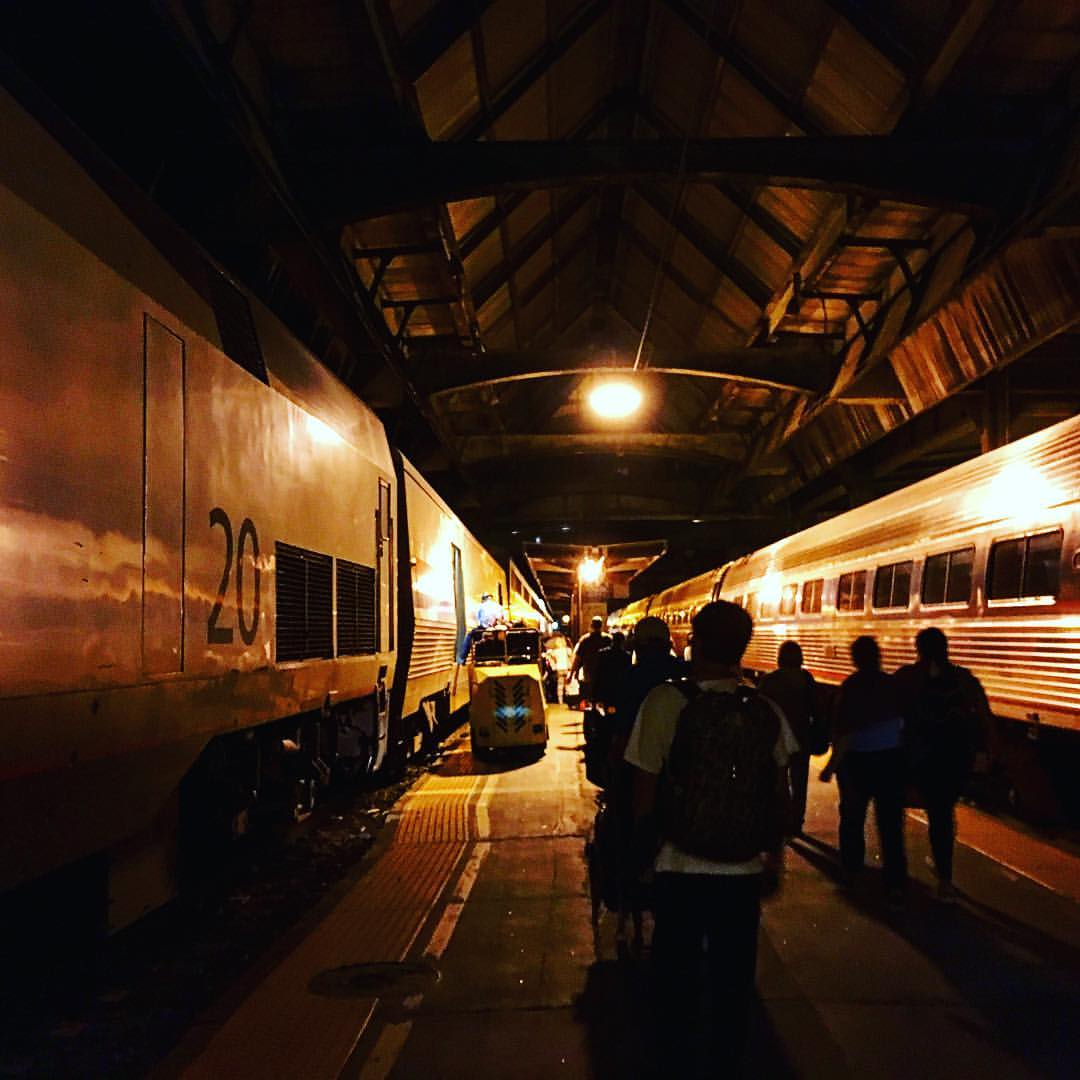 Midnight train to Chicago.. #train #night #chicago #america #backpacker #backpacking #backpack #photography #photographer #photo