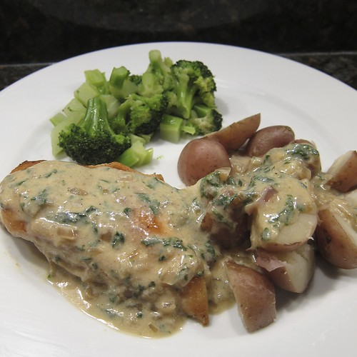 Chicken and Potatoes in Parsely Sauce