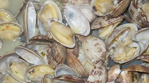 Trader Joe's Steamer Clams by Coyoty