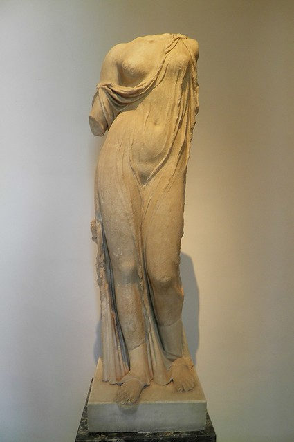 Aphrodite, Roman period, imperial copy of a Hellenistic reworking of an original by Callimachus, late 5th c. BC, from the south wing of the Domus Tiberiana on the Palatine, Palatine Museum, Rom