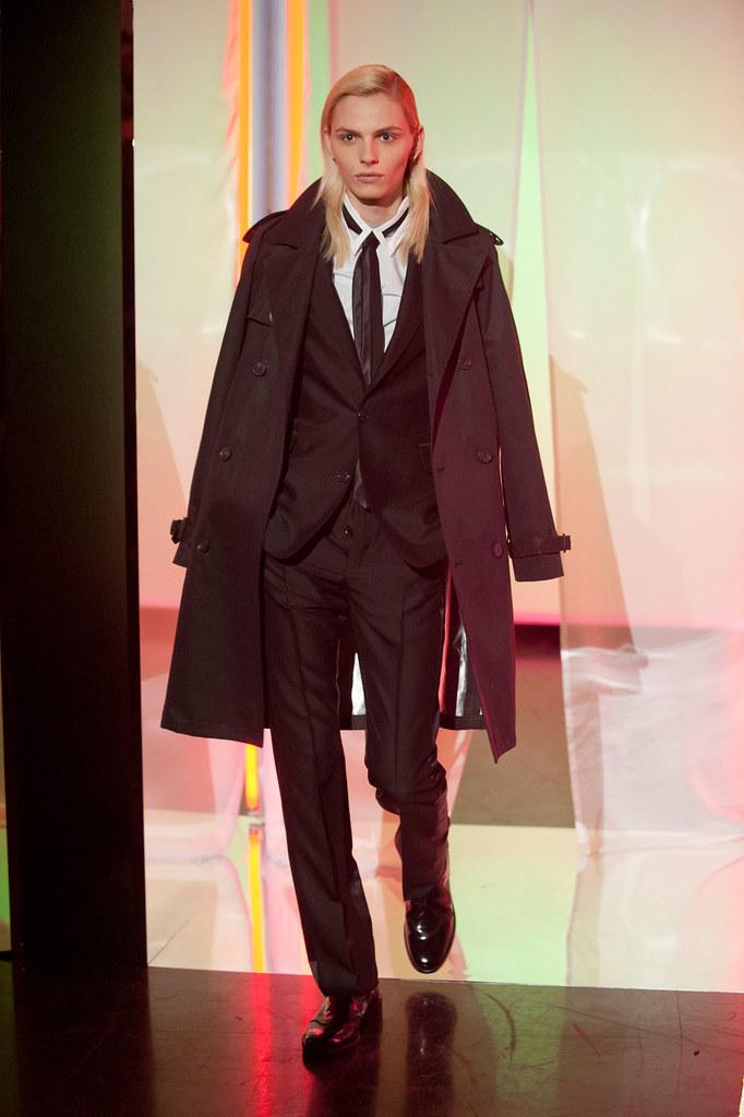 Andrej Pejic3322_FW13 Paris Jean Paul Gaultier(fashionising.com)