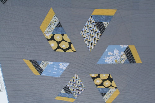 Windmill Quilt - Quilting Closeup