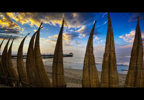 sunset tourism peru southamerica coast sunsets magichour trujillo settingsun huanchaco beautifulsky beautifulsunset lalibertad amazingsky amazingclouds totoras trujilloperu trujillocity canonbeaches
