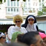 Disfraz de monja y angelito en el carnaval de cádiz