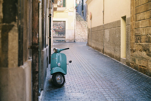 Addict to Vespa by raul gonza|ez