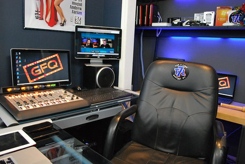 GFQ Network Studio 2013 Desk