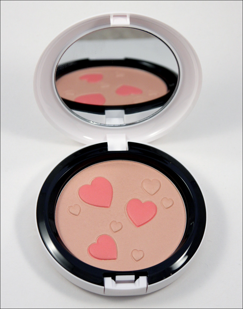 MAC flatter me pearlmatte face powder1