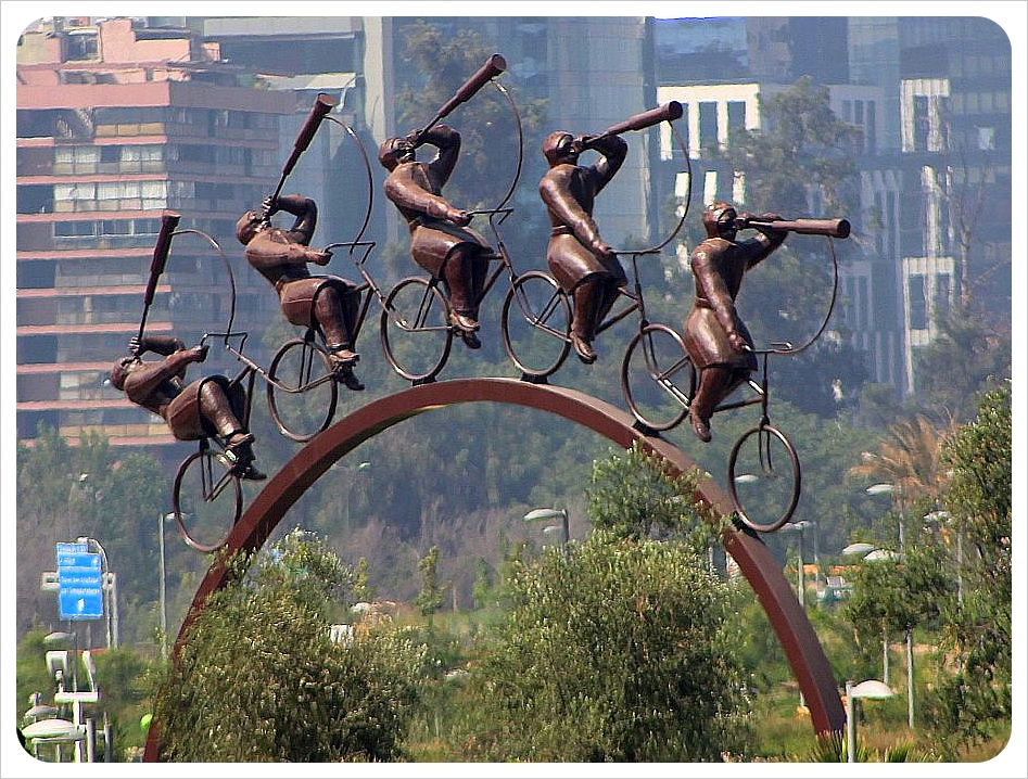 santiago sculpture bike riders