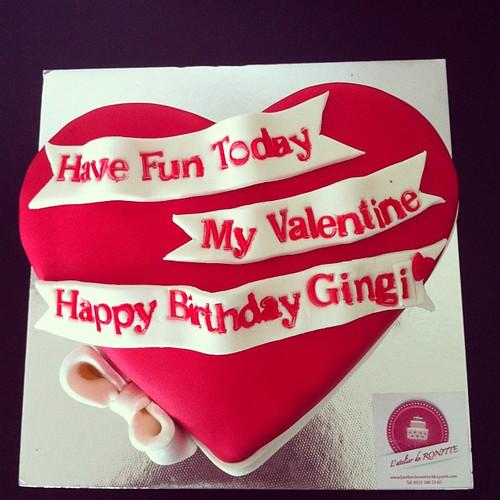 #valentinesdaycake#birthdaycake #heartcake#sugarart #sugarpaste by l'atelier de ronitte