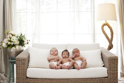 [フリー画像素材] 人物, 子供 - 赤ちゃん, 人物 - 三人 ID:201302220600