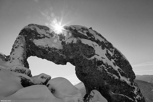 winter sun snow france rock soleil blackwhite pierre hiver neige noirblanc isère canonef24105mmf4lusm pierrepercée lilfr38 canoneos5dmarkii saintthéoffrey travelisdangerousmogwai