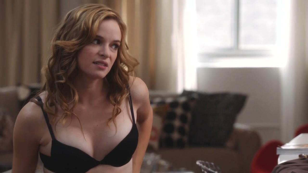 Danielle panabaker desnuda video