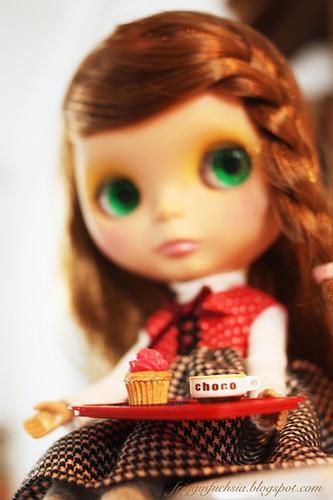 Cocoa & a cupcake