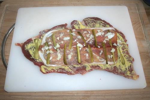 35 - Zwiebeln aufstreuen / Add onions