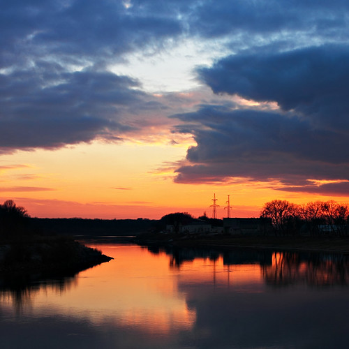 sunset canon river evening day dniester canoneos40d canonefs1855mmf3556is pwpartlycloudy