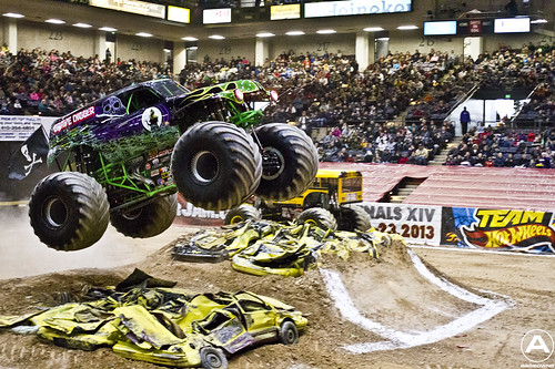 Grave Digger leaps