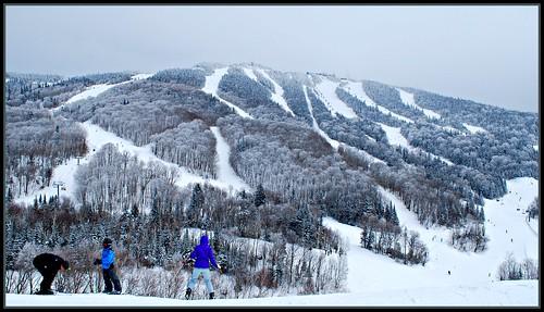 À mi-chemin du sommet, une autre journée grise, Mont-Tremblant 4 mars 2013.