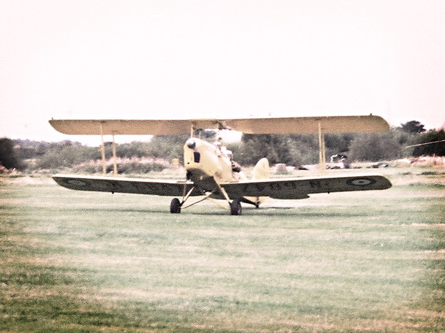 Flying a Tiger Moth, landing