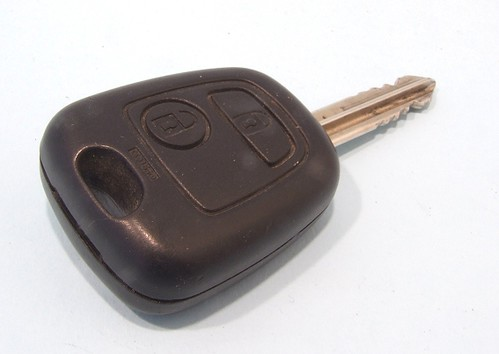 Phil's Workbench: Citroen Berlingo keyfob fix