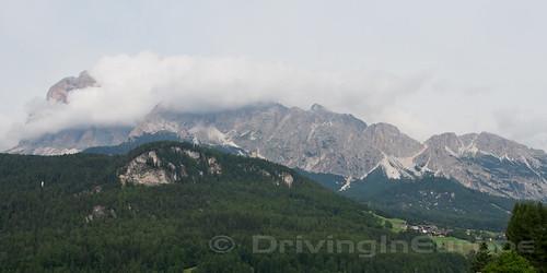 ホテル周囲の山々