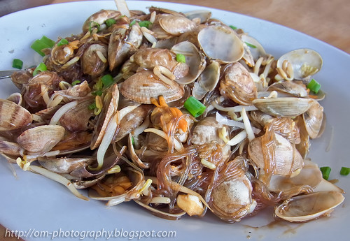 fried tanghoon (glass noodle) with la la clam R0022116 copy