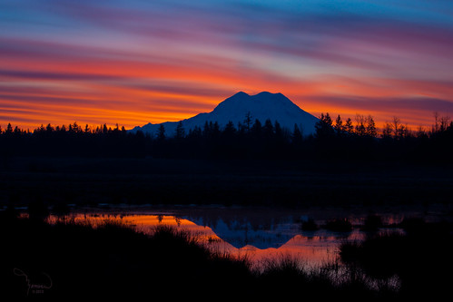 longexposure sun mountains reflection nature silhouette clouds rural sunrise canon landscape pond atmosphere rainier washingtonstate majestic mtrainier t1i 1riverat matthewreichel