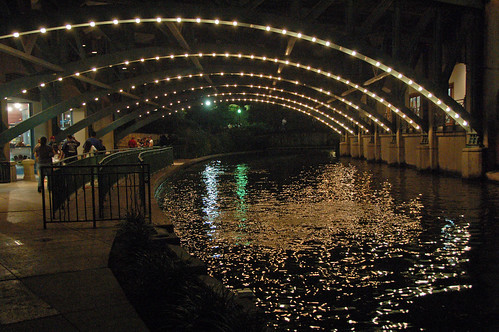 usa sanantonio texas nightlife riverwalk nightreflection